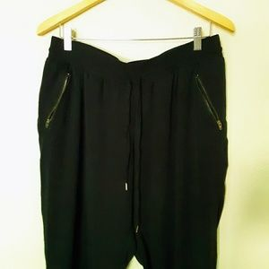 Mossimo Supply Co. Pants - Mossimo cropped joggers, casual or dressy